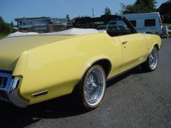 URNVSs 1972 Oldsmobile Cutlass Supreme