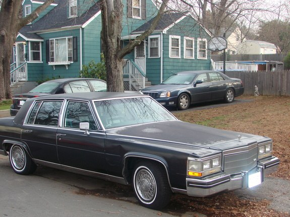Donk_King 1985 Cadillac Fleetwood 9165953