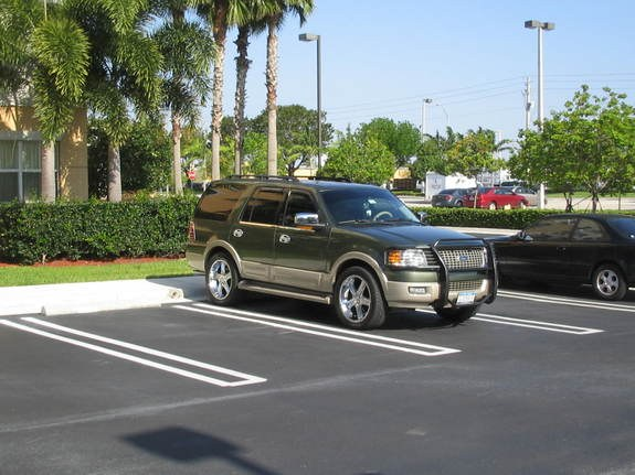 2005 ford expedition specs