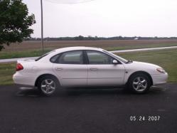 doubie_watevr 2002 Ford Taurus