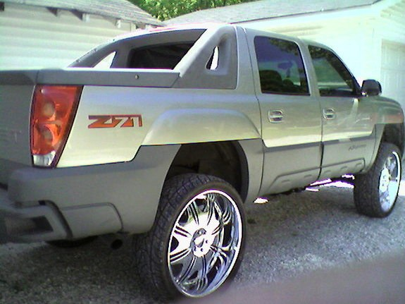 Another chevy95tahoe 2001 Chevrolet Avalanche post... Photo 10010159