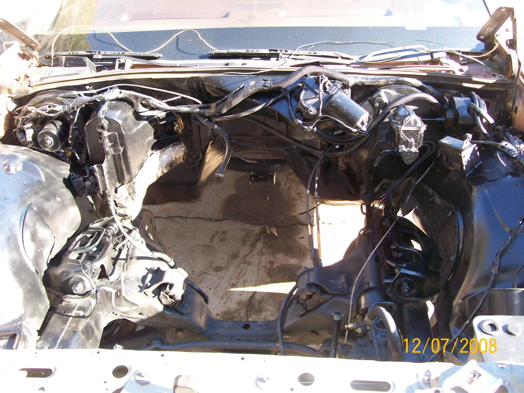 Pester351 1984 Ford LTD Crown Victoria 10012302