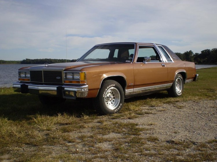 Pester351s 1984 Ford LTD Crown