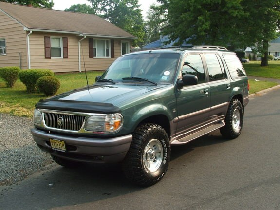 mercury mountaineer 1997 tire size