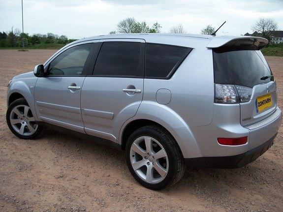 Zontarh 2007 Mitsubishi Outlander Specs, Photos, Modification Info