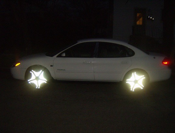 Another black_man2212 2004 Ford Taurus post... - 10038217