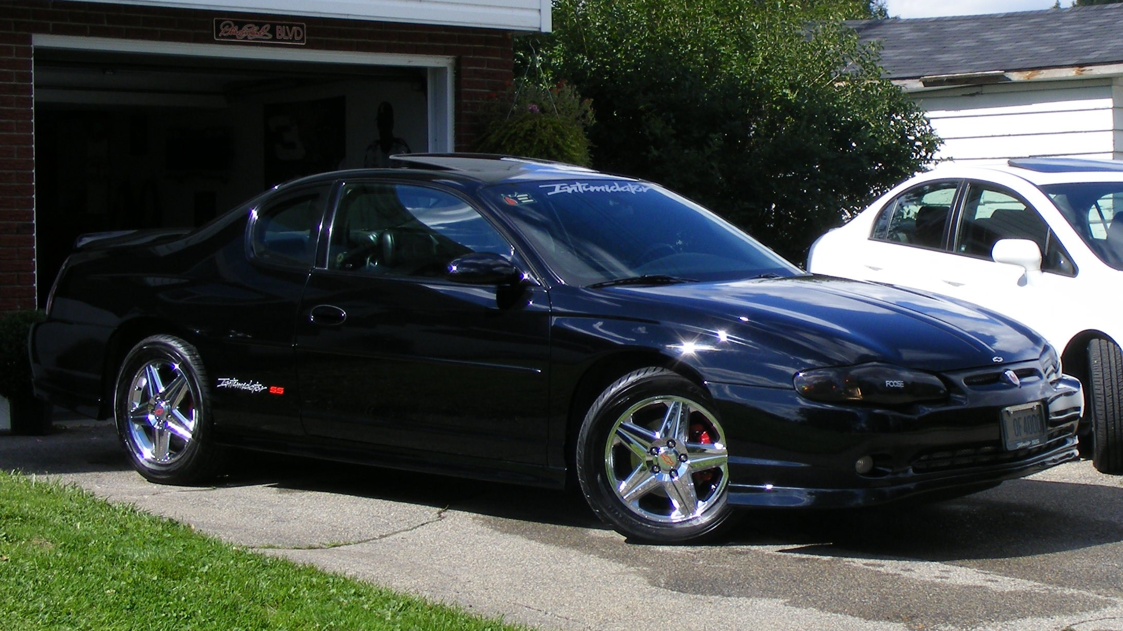 ssintimidatorss 2004 chevrolet monte carlo specs photos. Black Bedroom Furniture Sets. Home Design Ideas