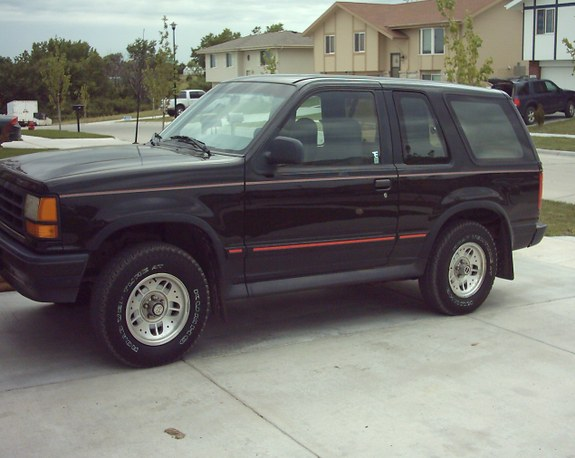Scarlet_Fox 1994 Ford Explorer Sport