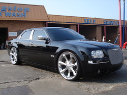 randaahyes 2005 Chrysler 300