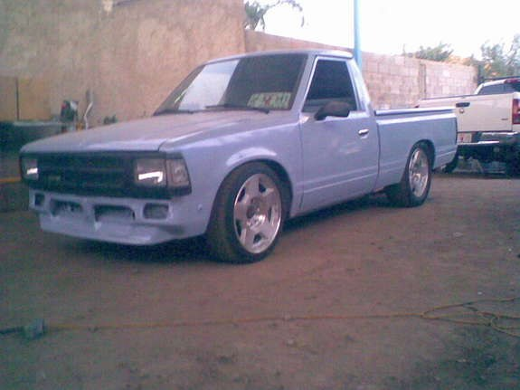 0372095196676 1991 Nissan 720 Pick-Up 10142200