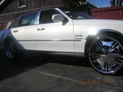 DoingBigThingss 2000 Lincoln Town Car