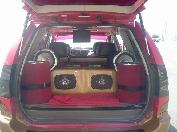 Large on 2000 Mitsubishi Montero Sport Interior