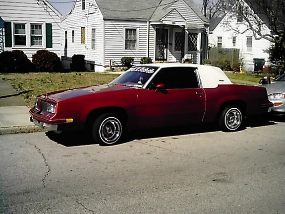 candycutty83's 1983 Oldsmobile Cutlass Supreme