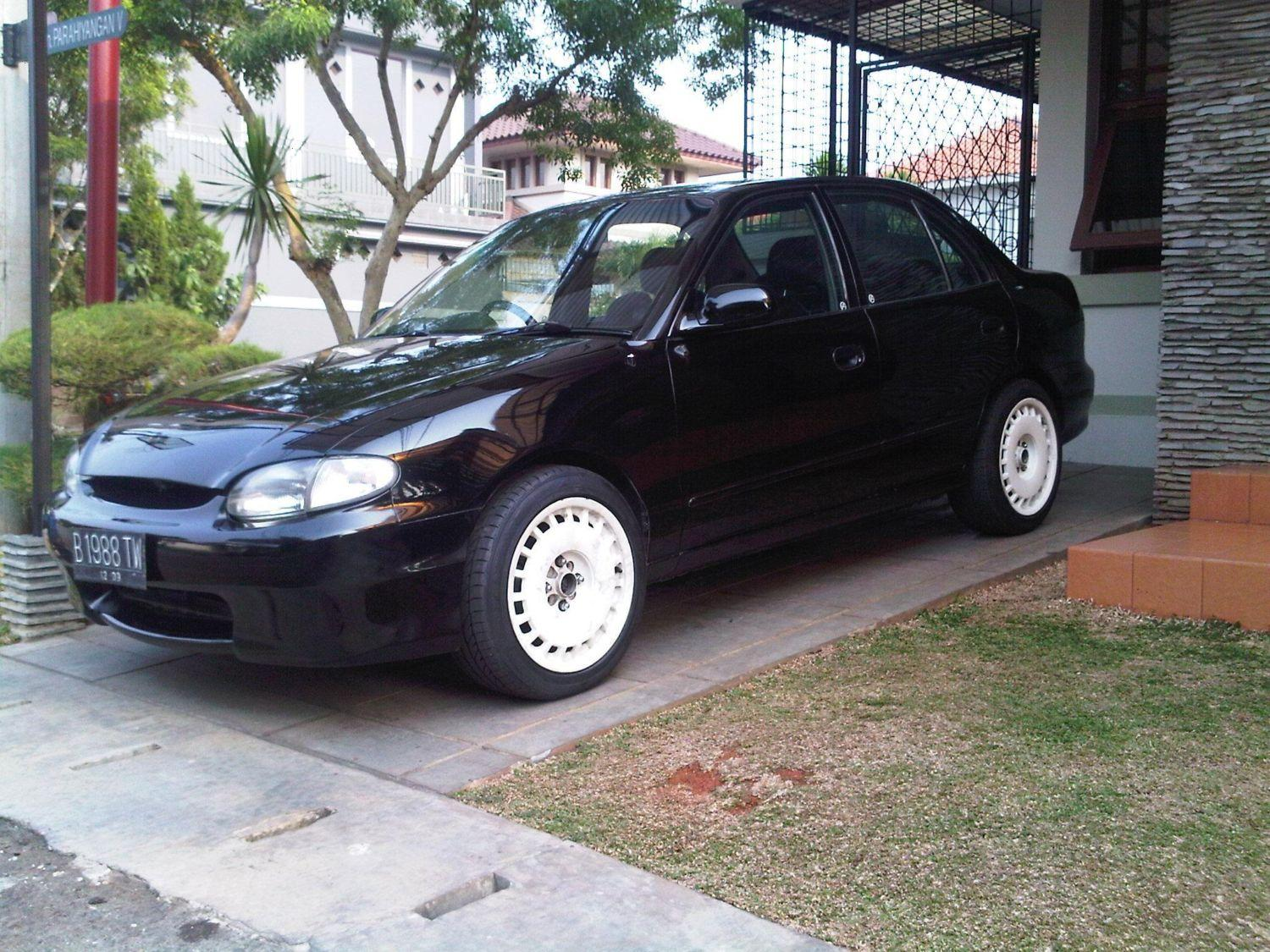Another boeboedogie 2000 Hyundai Accent post... - 10333687