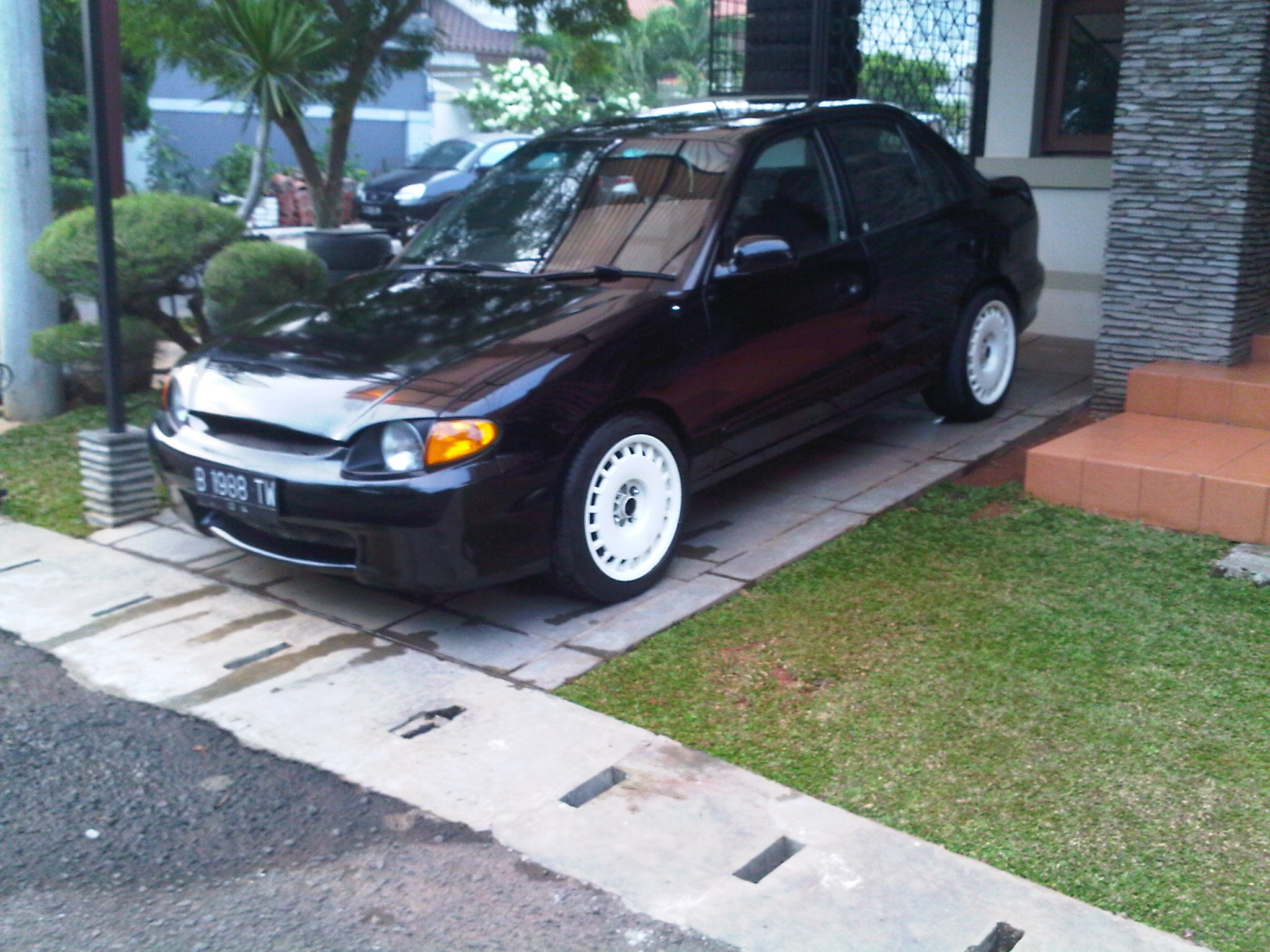 Another boeboedogie 2000 Hyundai Accent post... - 10333689