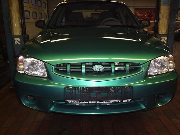 Another veitdrive 2002 Hyundai Accent post... - 10179362