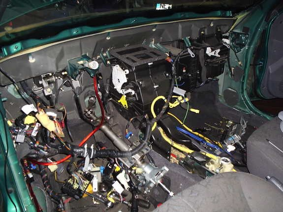 Another veitdrive 2002 Hyundai Accent post... - 10179372