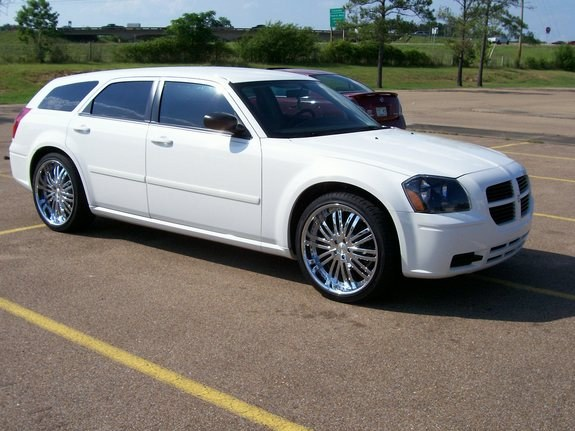 Another UTownBallers 2006 Dodge Magnum post... - 10344246