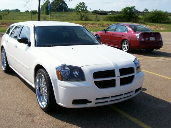 Another UTownBallers 2006 Dodge Magnum post... - 10344247