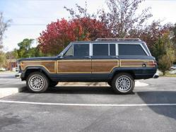 bullmastiff1 1990 Jeep Grand Wagoneer