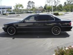 MyStICx3iLLuSiOns 1998 BMW 7 Series