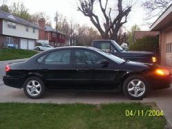 ErikTheBeasts 2002 Ford Taurus