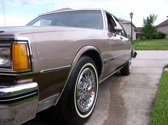 2685CHRIS 1984 Pontiac Parisienne 10240233