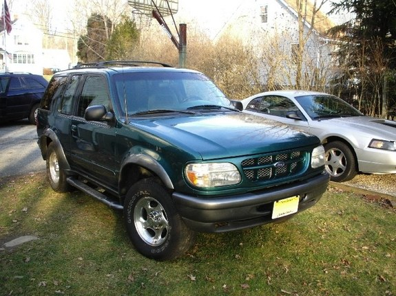 AndyG47 1998 Ford Explorer Sport Specs, Photos, Modification Info at CarDomain