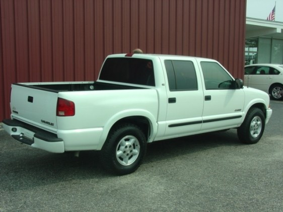 2003 Chevrolet S10 Regular Cab