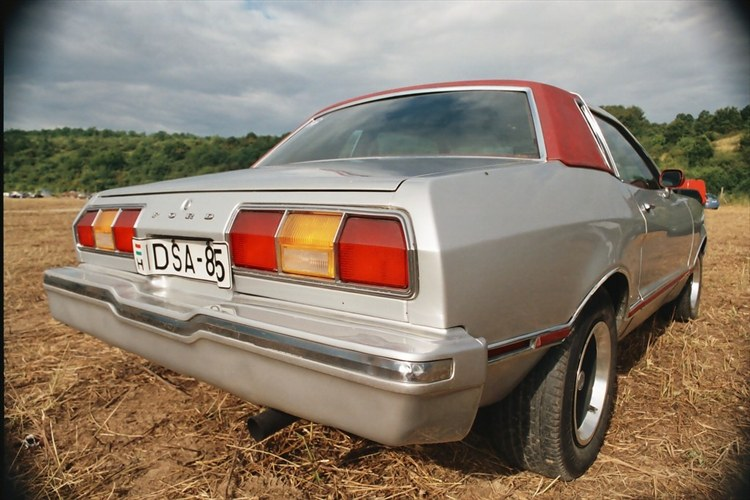 Another acchgeo 1976 Ford Mustang II post... - 9205904