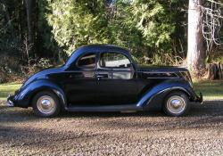 100153 1937 Ford Coupe