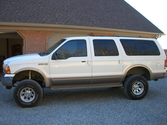 Big  Ford Excursion _large