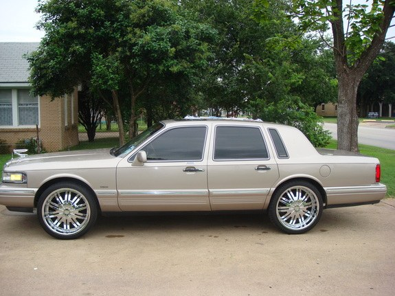 Youngboy214 1995 Lincoln Town Car S Photo Gallery At Cardomain