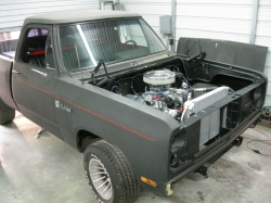 D100BigBlock 1985 Dodge D150 Regular Cab