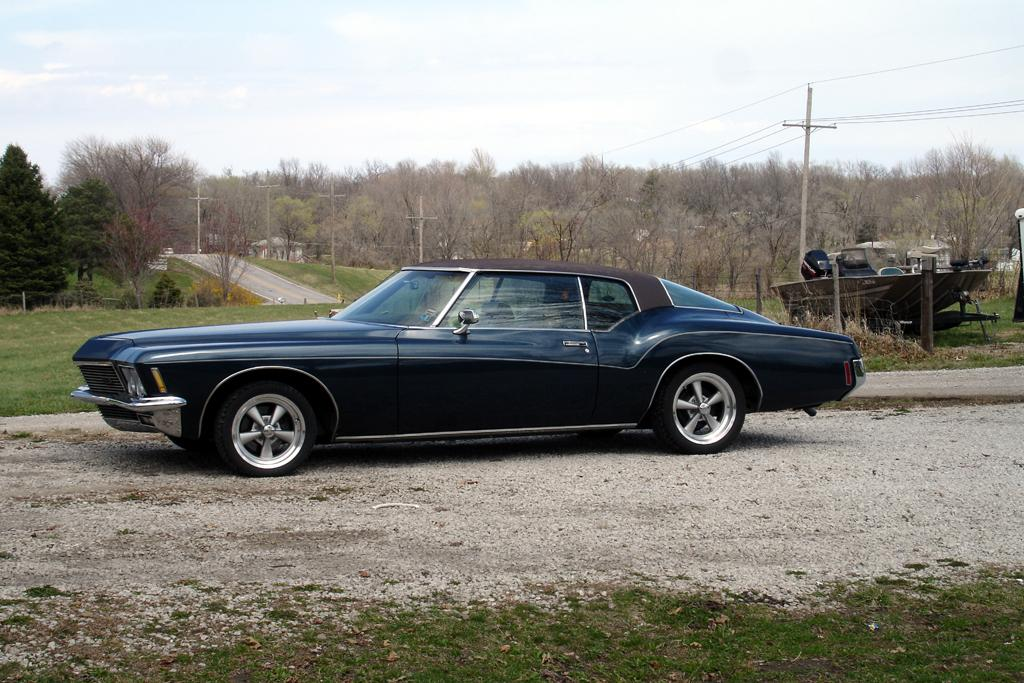 mauls 39 s 1971 buick riviera in kansas city mo. Black Bedroom Furniture Sets. Home Design Ideas