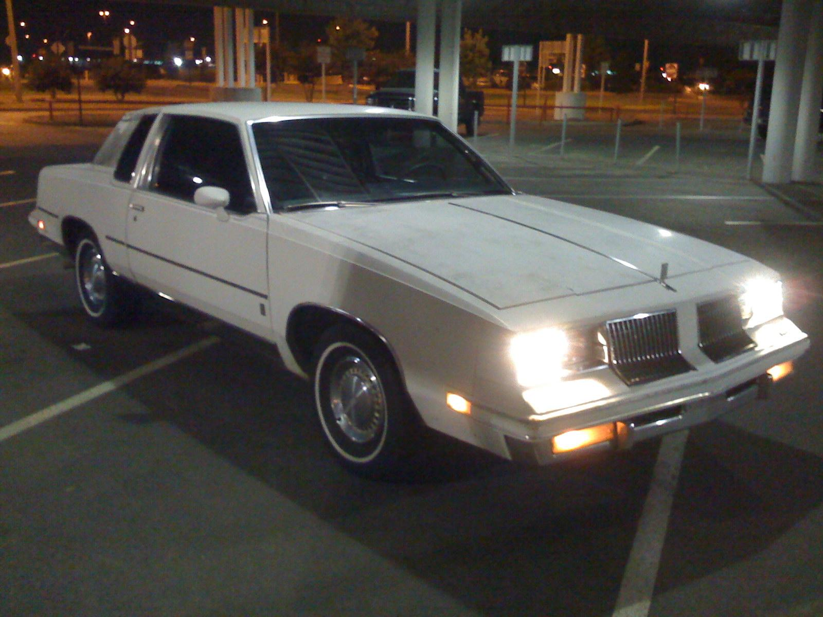 stackser 1983 Oldsmobile Cutlass 13895846