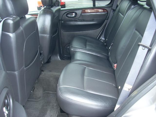 Ebony Interior with Nav System. Maverick1711s 2006 GMC Envoy