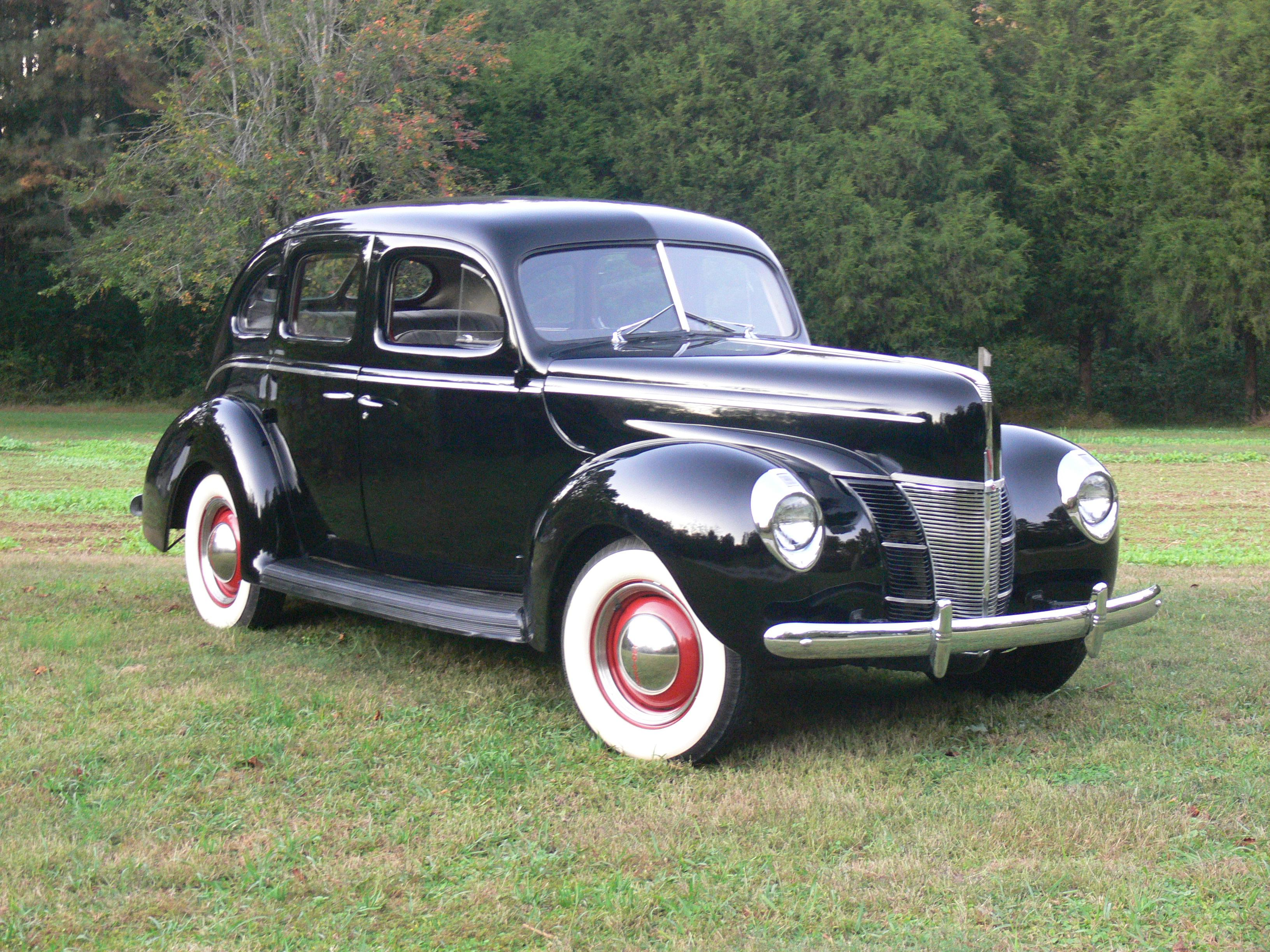 29mercedes 1940 Ford Deluxe