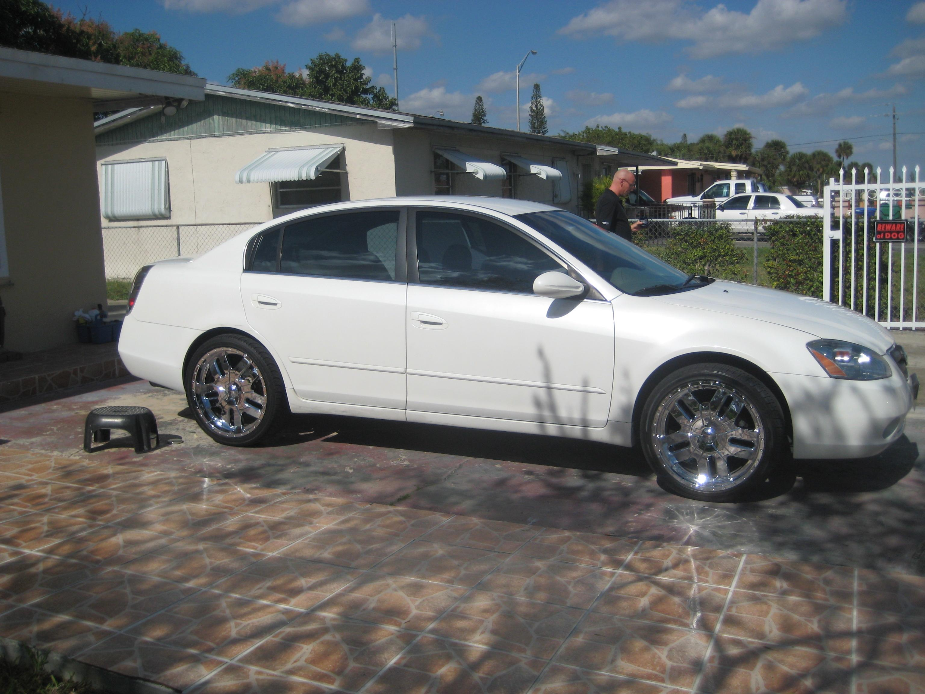 made in dade 2004 nissan altima specs photos modification info at cardomain. Black Bedroom Furniture Sets. Home Design Ideas