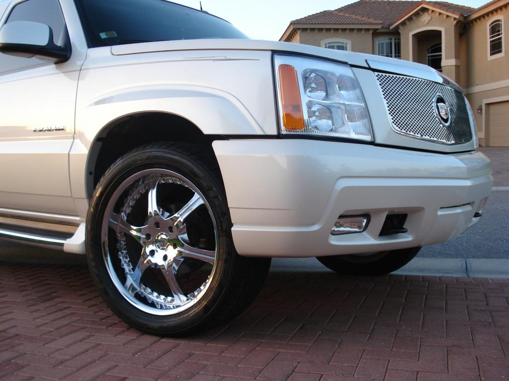 Another 1999sebringLXI 2005 Cadillac Escalade post... - 13905477
