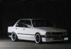BMW_EThirtys 1988 BMW 3 Series