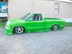 LA_IJUANAs 1997 Chevrolet S10 Regular Cab