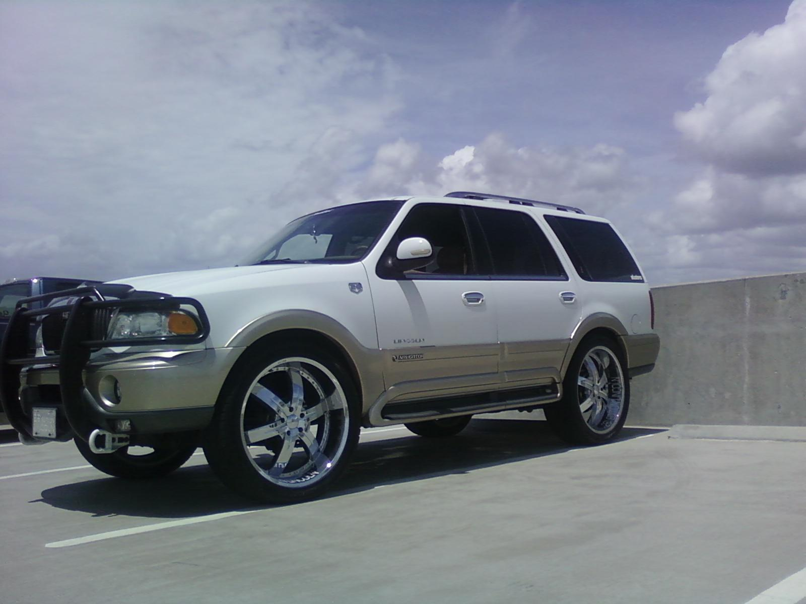 Another E-Lusions 2000 Lincoln Navigator post... - 13177489
