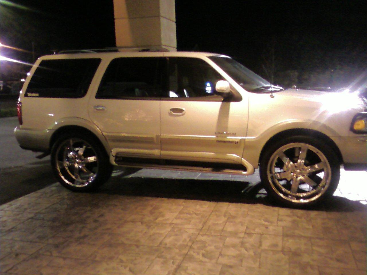 Another E-Lusions 2000 Lincoln Navigator post... - 13924706