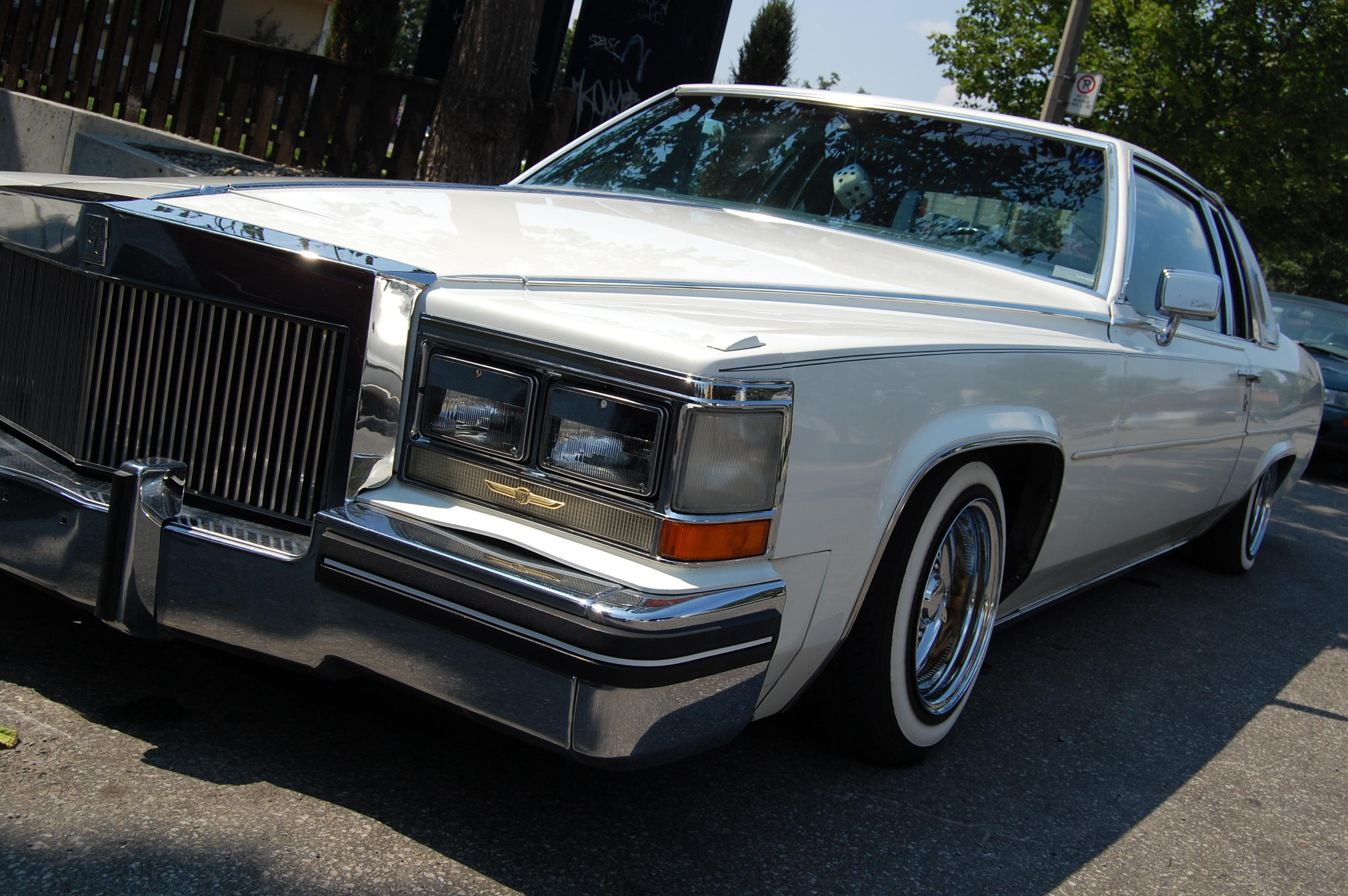 Another cruisinmtl 1984 Cadillac DeVille post... - 13928077