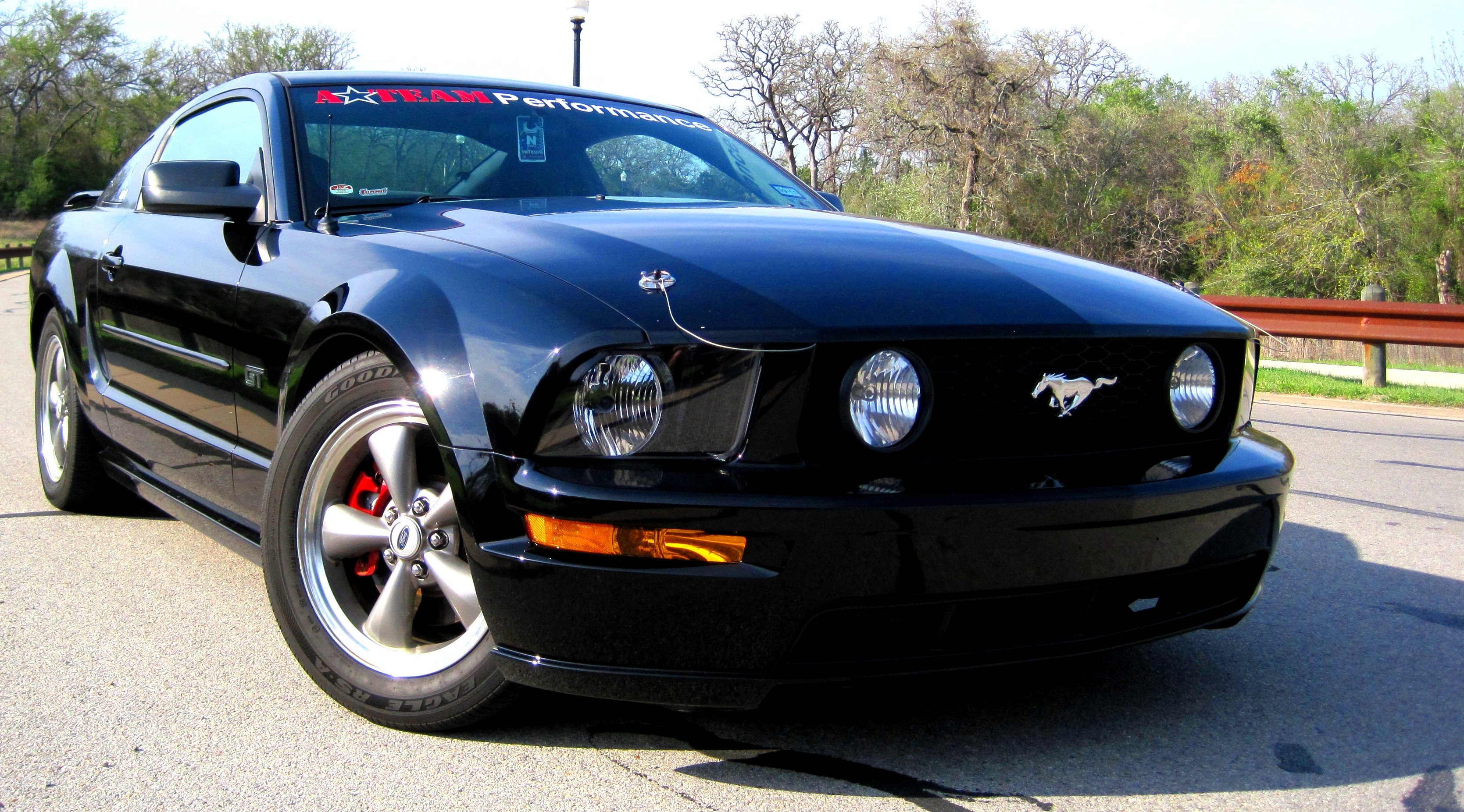 2005 ford mustang coupe 2d cardomain close
