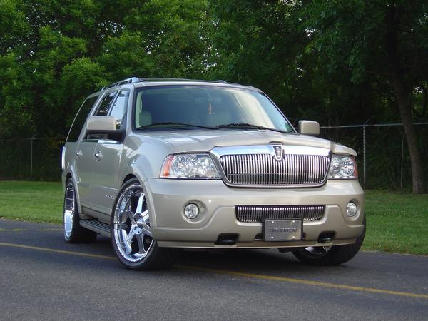 clean navi 2004 lincoln navigator specs photos modification info at cardomain. Black Bedroom Furniture Sets. Home Design Ideas