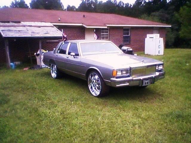 86 Pontiac Parisienne For Sale http://www.cardomain.com/ride/3810162/1986-pontiac-parisienne/