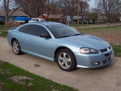 joce_A_boo08s 2004 Dodge Stratus