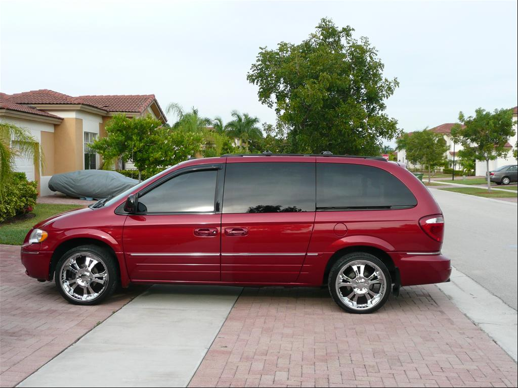 2005 chrysler town and country images. Cars Review. Best American Auto & Cars Review